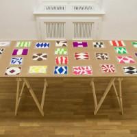 Polly Apfelbaum, Feelies (Imi + Blinky), 2011, Plastilin und Polymer-Ton, Maße variabel, Satz von 28 Stück