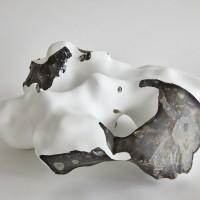 Timo Kube, Flint #4, 2017, Feuerstein, 2 K-Lack, 17,5 x 40 36 cm