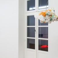 """Ausstellungsansicht """"Painting and Beyond"""", Antonio Scaccabarozzi (l.), Stefan Löffelhardt (r.)"""