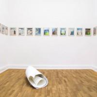 """Ausstellungsansicht """"Papier/Paper IV – COLLAGEN"""", Schirin Kretschmann (u.), Matthew Northridge"""