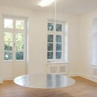 Ausstellungsansicht, FREY, 2012, Aluminiumklebeband, Seil, Styrodur, MDF-Platte, Durchmesser 180 cm